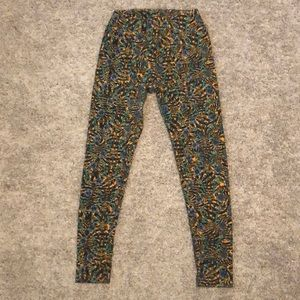Lularoe leggings size OS (0-10)